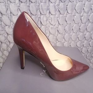 NWOB Vince Camuto Patent Leather Pumps